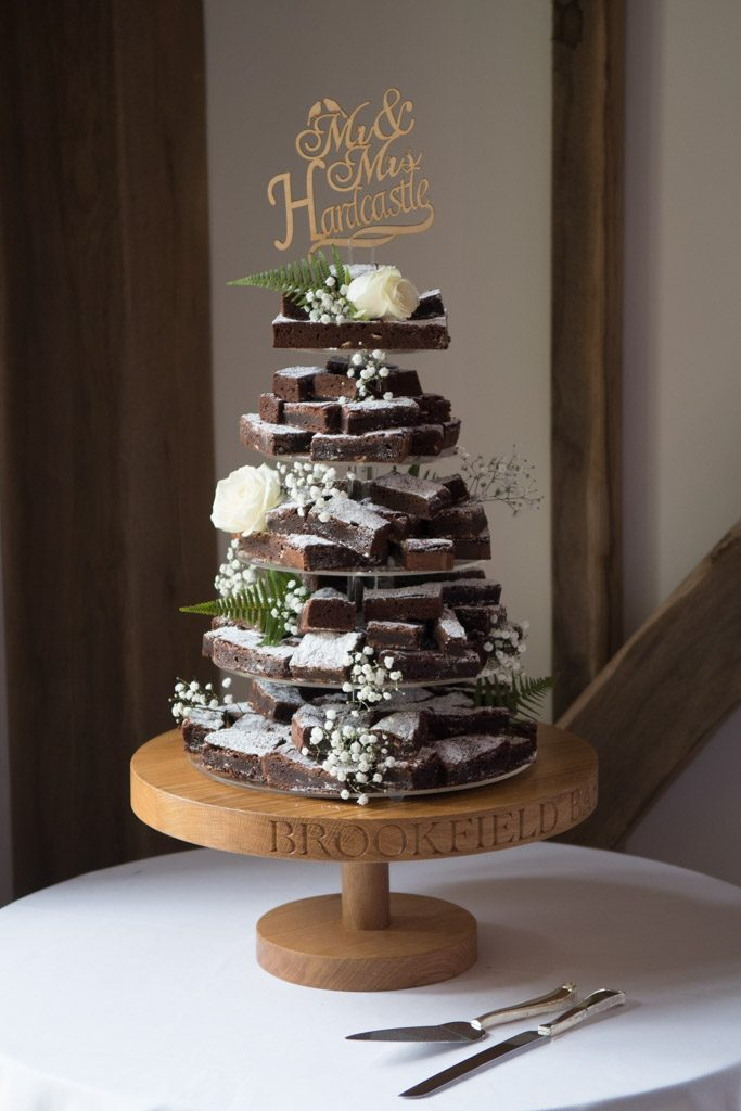 Barn Wedding Cake Stand